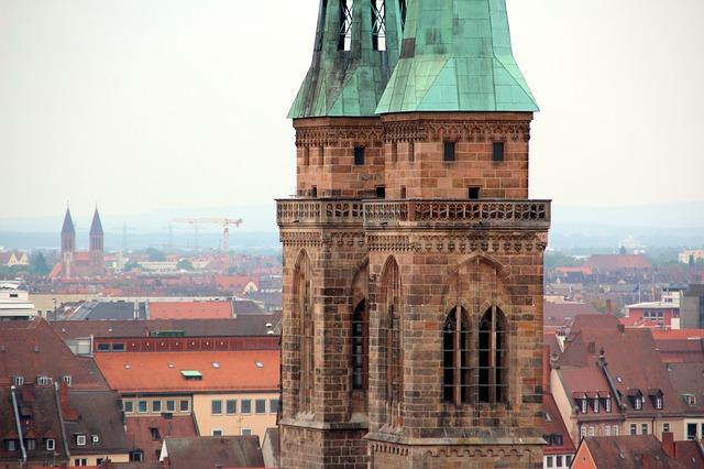 Die Lorenzkirche ist auch ein Wahrzeichen von Nürnberg